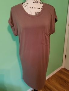 Chelsea & Theodore Sheath Dress size Medium